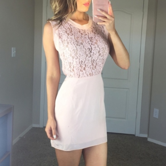8e1ec9347f9 Aritzia Dresses   Skirts - Wilfred Silk Pink Floral Lace Dress Size 2 Small